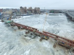 The installation of Yakhtenny Bridge decks completed